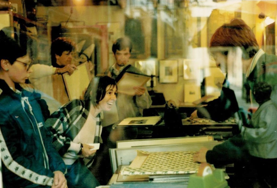 Margie-Print-buying-Venice-1985